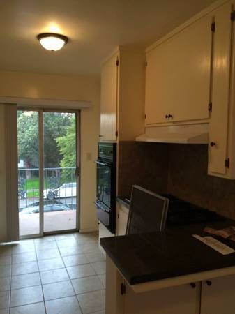 $1050 Seeking Roommate - Spacious 2 bed/2 bath available ASAP!  - Agoura Hills 阿古拉山 - Flat - Homates United States